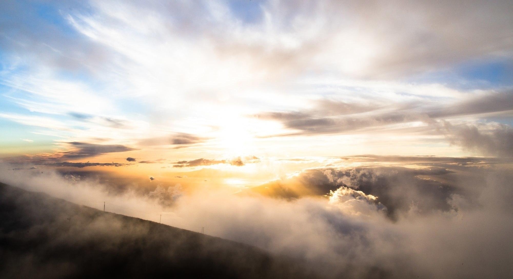 Hoog in de wolken…